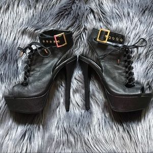 Steve Madden Platform high heel stilettos